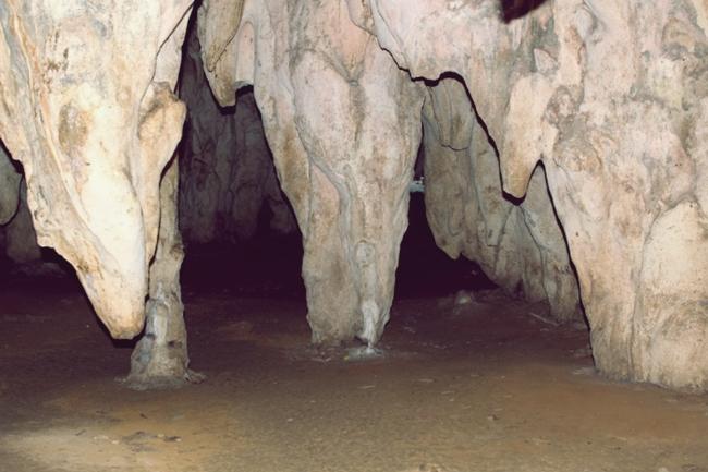 victoria cave sagada