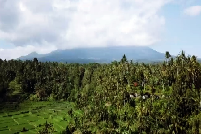 MOUNT AGUNG IN INDONESIA