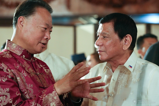 President-Rodrigo-Roa-Duterte-speaks-with-China-Ambassador-to-the-Philippines-Zhao-Jianhuaon