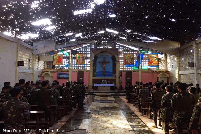 Isang misa idinaos sa simbahan sa Marawi ngayong araw