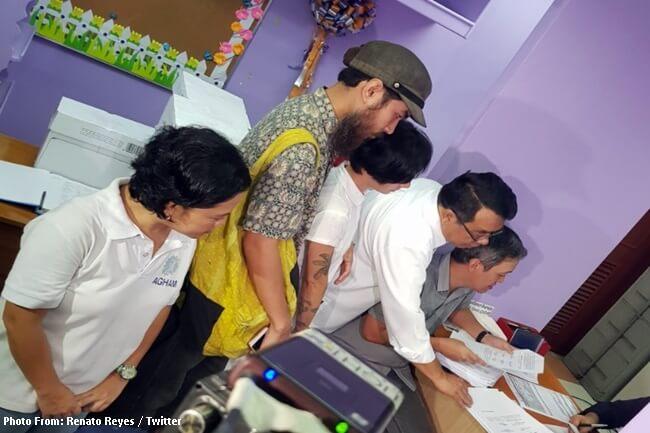 Dating DOTC Sec. Abaya at BURI kinasuhan ng mga militanteng grupo