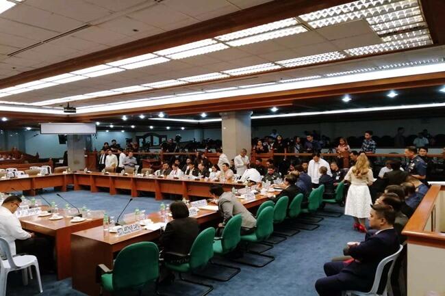 Mga senador dismayado sa pamunuan ng University of Santo Tomas vs hazing