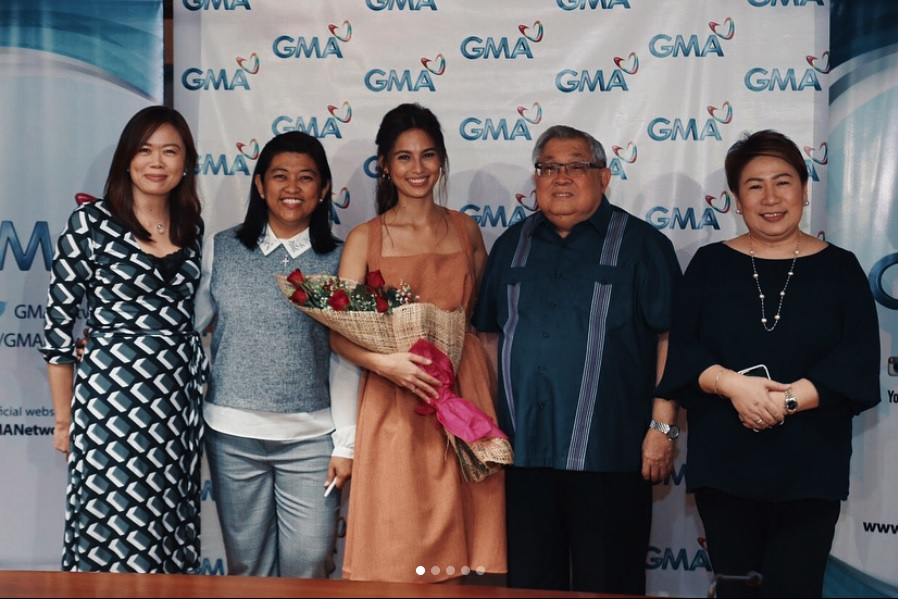 JASMINE CURTIS-SMITH NOW A KAPUSO STAR
