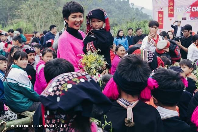 Miss Universe Vietnam H'Hen Niê